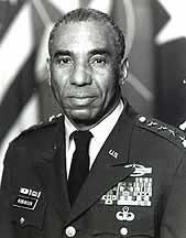 Gen Roscoe Robinson, Jr