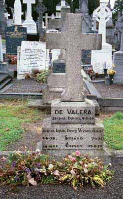 Sin�ad <i>Ni Fhlannag�in</i> de Valera