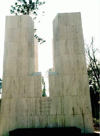 La tumba de famosos 7831568_1068387079