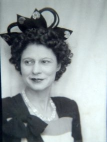 Dora Louise <i>Harvey</i> Tomlin