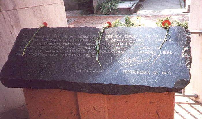 La tumba de famosos 7831568_113870509154