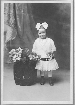Edna Bertha Amanda <i>Fiene</i> Blume
