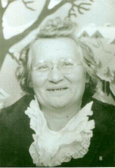 Mary Caroline <i>DeBacher</i> Robinson
