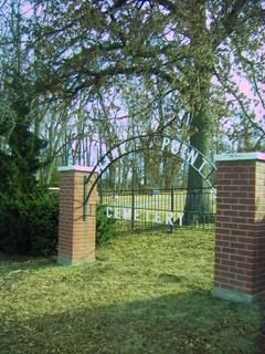 Hawk Point Cemetery
