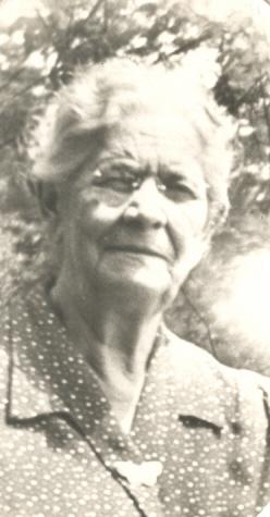 Elmira Hoffmann <i>Perry</i> Hilts