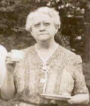 Annie Laurie <i>Woodworth</i> Cilley