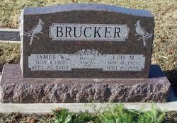 Lois Marie <i>Dettlehouser</i> Brucker