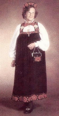 Brynhild <i>Holto</i> Aasmul