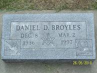 Daniel D Broyles