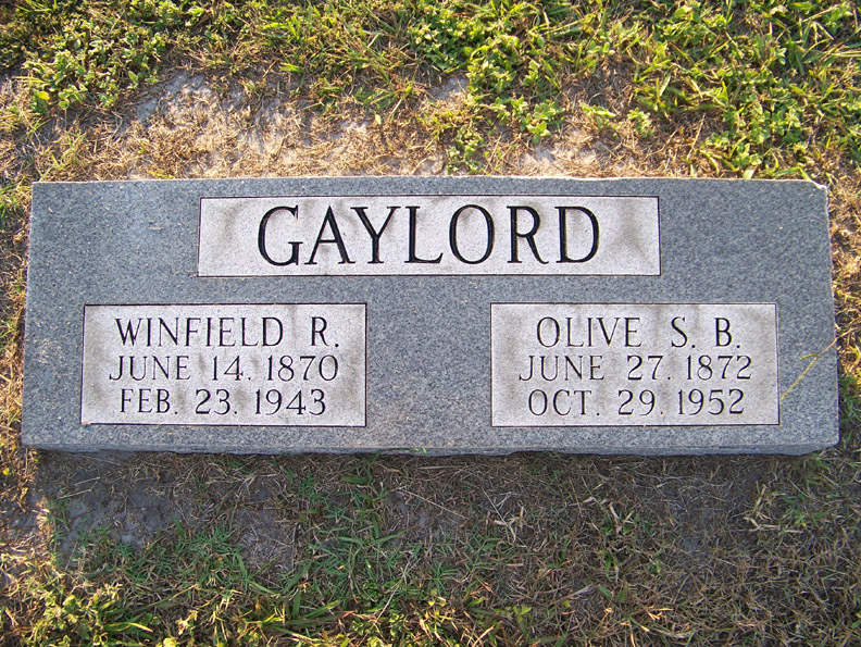 Winfield R. Gaylord headstone, findagrave.com