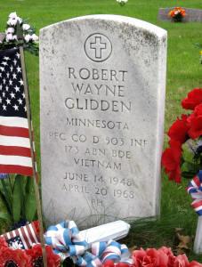Robert Wayne Glidden