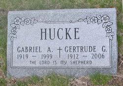 Gertrude Gladys Gabe <i>Gladys</i> Hucke