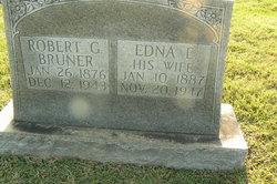 Edna E <i>St Clair</i> Bruner
