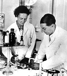 Ir�ne <i>Curie</i> Joliot