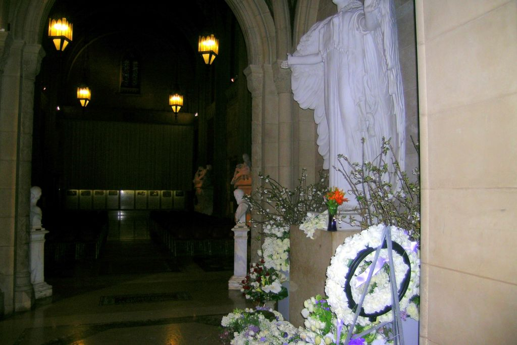 http://image1.findagrave.com/photos/2011/86/67312270_130131891118.jpg