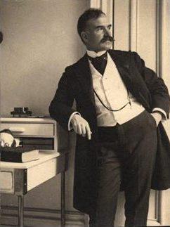 Dr William Thomas Corlett