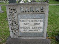 Margaret E. <i>Logan</i> Banks