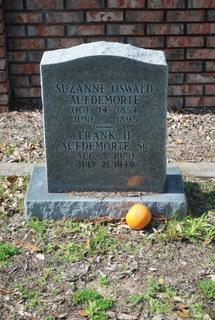 Suzanne <i>Oswald</i> Aufdemorte