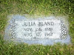 Julia Neves Bland