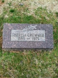 Theresa E <i>Lipsmeyer</i> Grummer