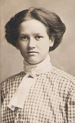 Agnes Heggie <i>Jardine</i> Buttars