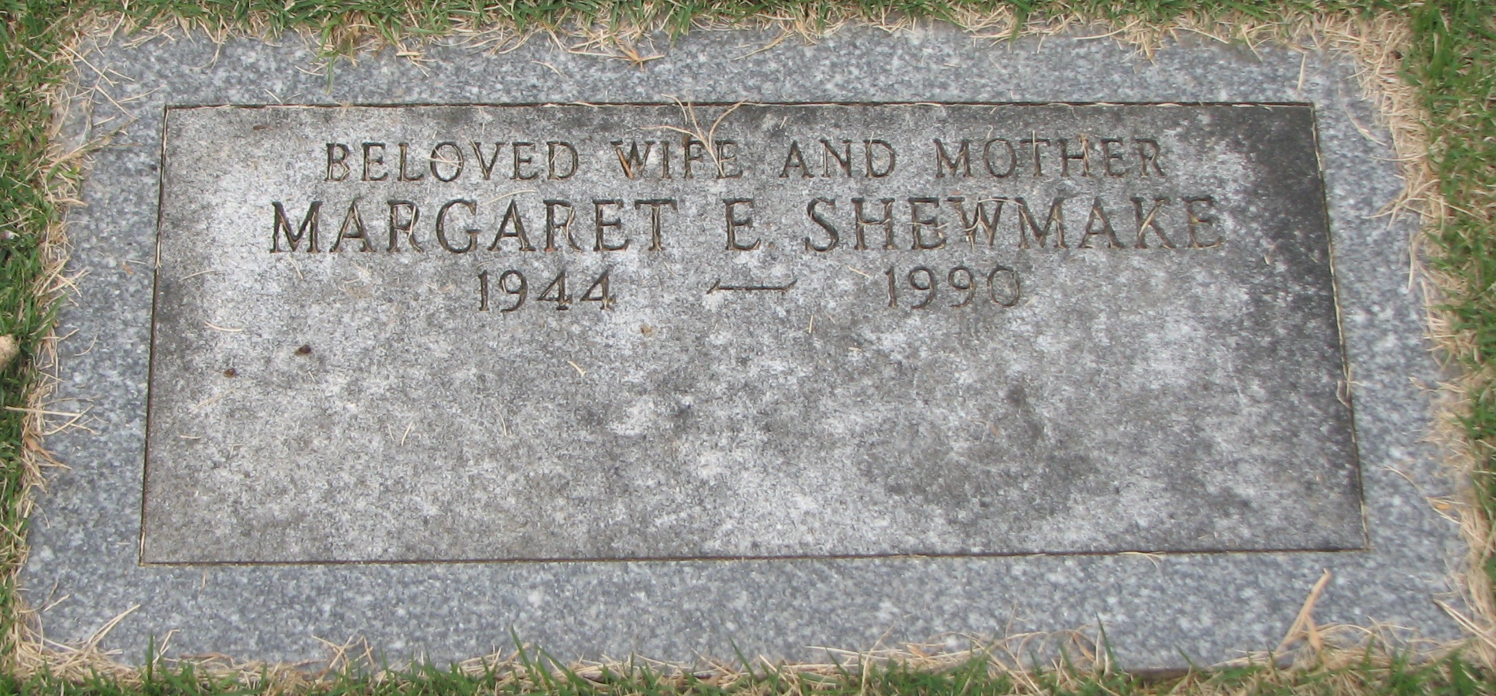 http://image2.findagrave.com/photos/2014/273/136681094_1412202945.jpg