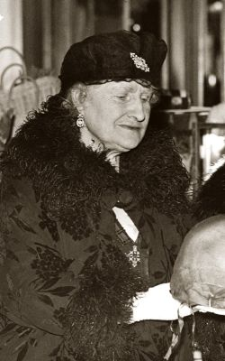 Nina Ceceilia <i>Cavendish-Bentinck</i> Bowes-Lyon