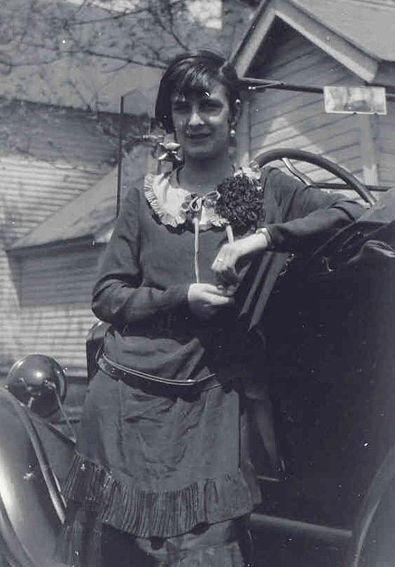 Constance C <i>Hulet</i> Linderleaf