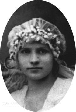 Julia <i>Stanczyk</i> Frederick