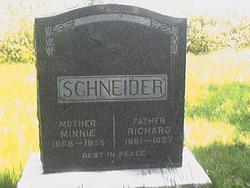 Minnie Schneider