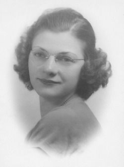Margaret Lillian Margie <i>Moenich</i> Mass
