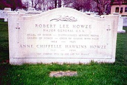 Robert Lee Howze