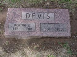 Bertha <i>Larrimore</i> Davis