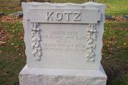 Sarah <i>Yeisley</i> Kotz