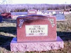 Pearl L <i>Twist</i> Brown