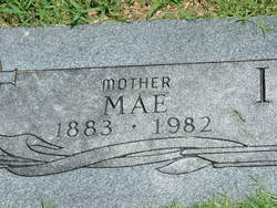 Mae <i>Hefner</i> Ivy