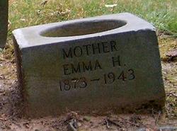 Emma W. <i>Holzhauer</i> Uhl