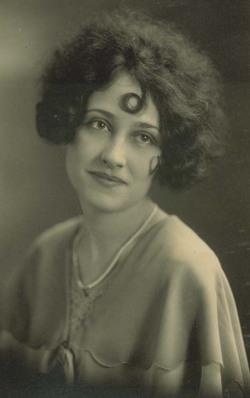 Elva Margaret <i>Gillespie</i> Bowles
