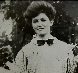 Mary Elizabeth Molly <i>Alton</i> Reynolds