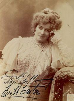 Mrs Leslie Carter