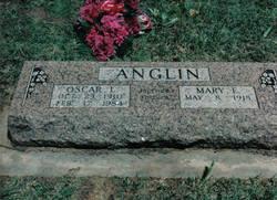 Oscar L Anglin