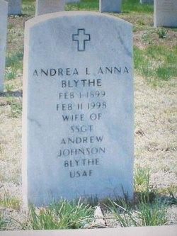 Andrea Anna Amo <i>Lente</i> Blythe