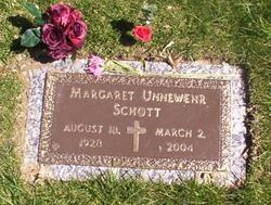 Marge <i>Unnewehr</i> Schott