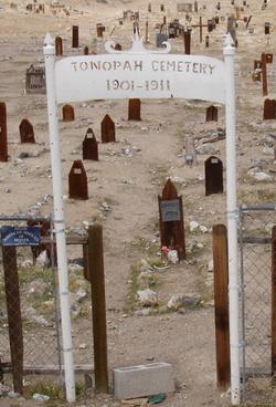 Tonopah Cemetery (old)