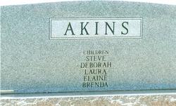 Carolyn <i>Underwood</i> Akins