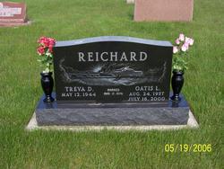 Oates L. Reichard