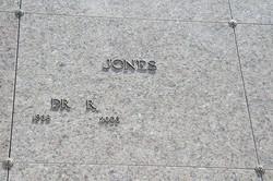 Dr Roosevelt Jones