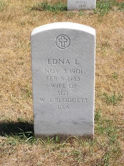 Edna L Blodgett