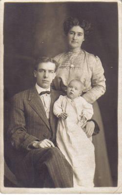 Bessie E Grandma Bird <i>Holmes</i> Barnt