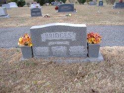 Lillian <i>Huffstetler</i> Bridges